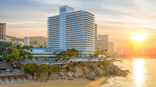 Located in the heart of Condesa, Fiesta Americana Acapulco Villas welcomes you and your family to make lifelong memories. With its world-class staff, unbeatable location, bars and restaurants at your fingertips, plus the incredible backdrop of Acapulco, Fiesta Americana has something for everyone.