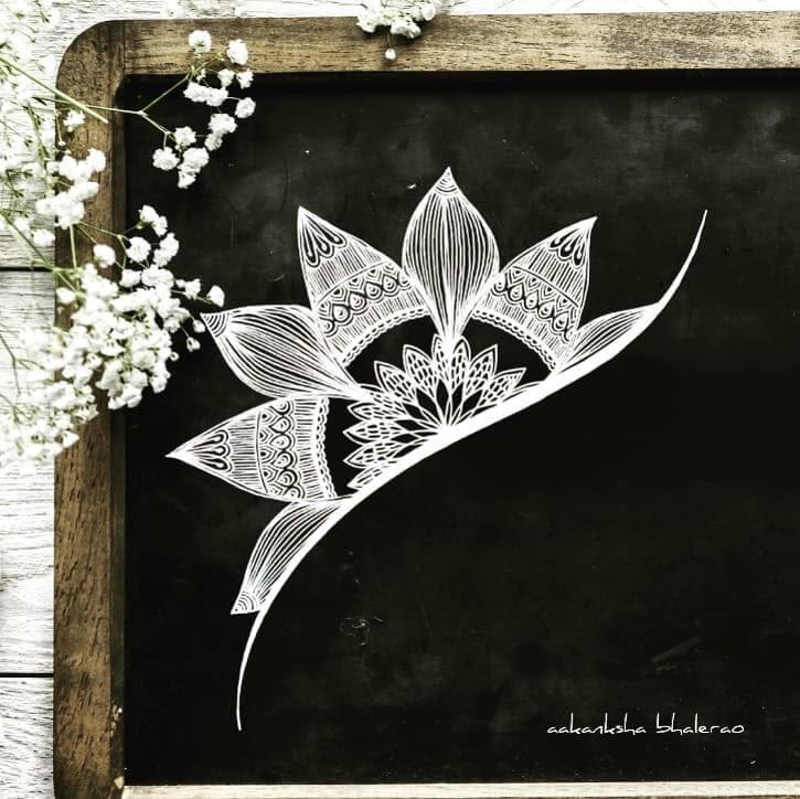 09-Stylish-and-understated-Aakanksha-Bhalerao-www-designstack-co