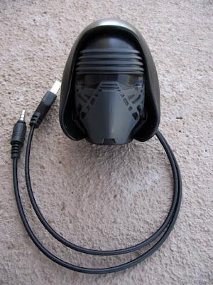 Cabeça capacete do Kylo Ren (Star Wars) de ovo de páscoa Nestlé