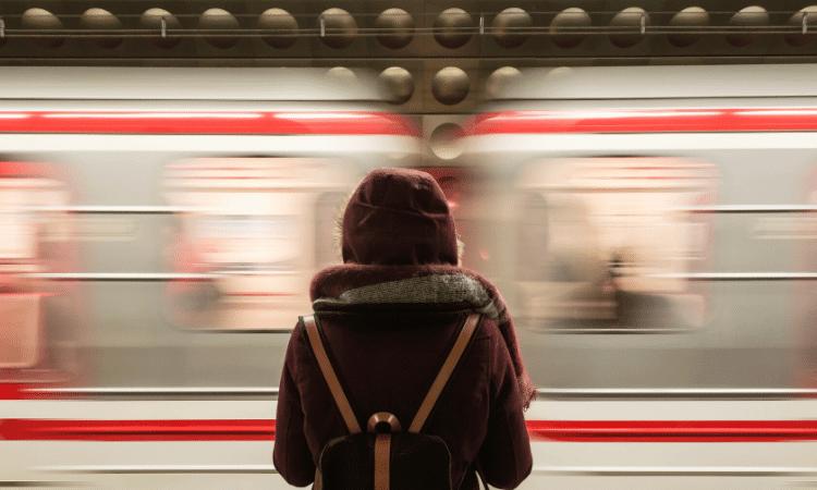 Tips Travelling Naik Kereta