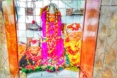 माँ त्रिमूर्ति महामाया मंदिर ,धमधा