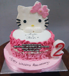 Kue Tart Fondant Hello Kitty Wedding Anniversary