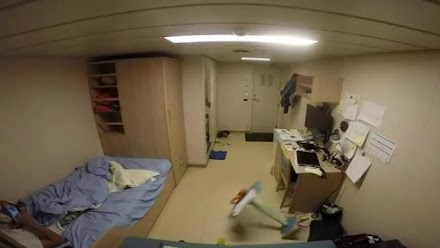 Πώς είναι μέσα σε μια καμπίνα πλοίου την ώρα της τρικυμίας (Video)
