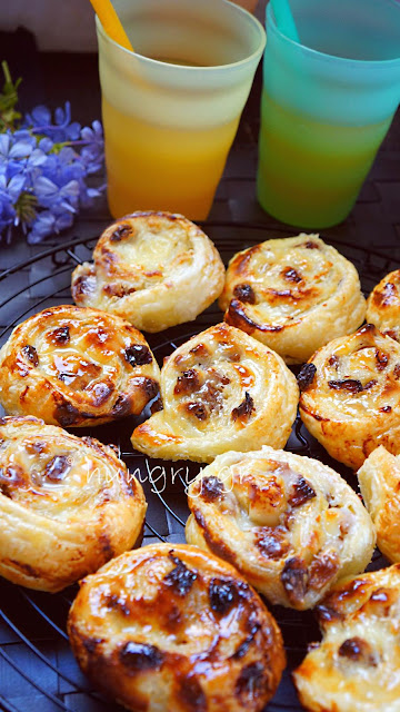 Cream & Raisin Puff Pastry Rolls