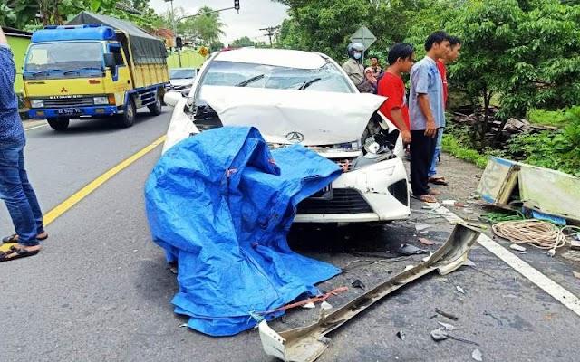 Kecelakaan Beruntun di Patuk, Satu Pemotor Tewas Terpental di Pekarangan