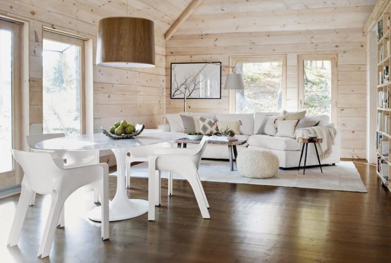 Drewno i kamienny kominek, wystrój wnętrz, wnętrza, urządzanie domu, dekoracje wnętrz, aranżacja wnętrz, inspiracje wnętrz,interior design , dom i wnętrze, aranżacja mieszkania, modne wnętrza, drewniane wnętrza, styl eko, styl skandynawski, salon