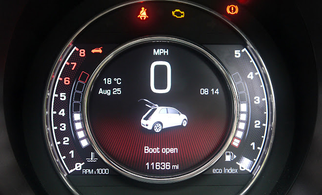Fiat 500 digital instruments