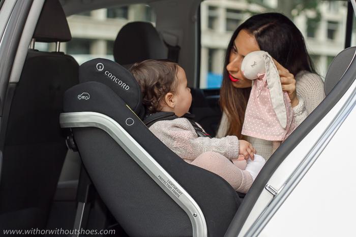 Seguridad bebe en coche vehiculo