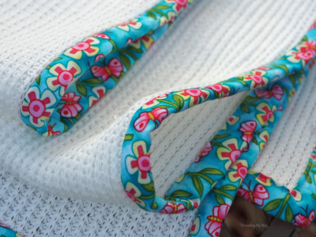 Add binding to a blanket for a pop of colour ~ Threading My Way
