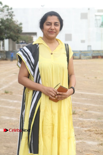 Actress Suhasini Manirathnam Pos at Producer Council Election 2017  0001.jpg