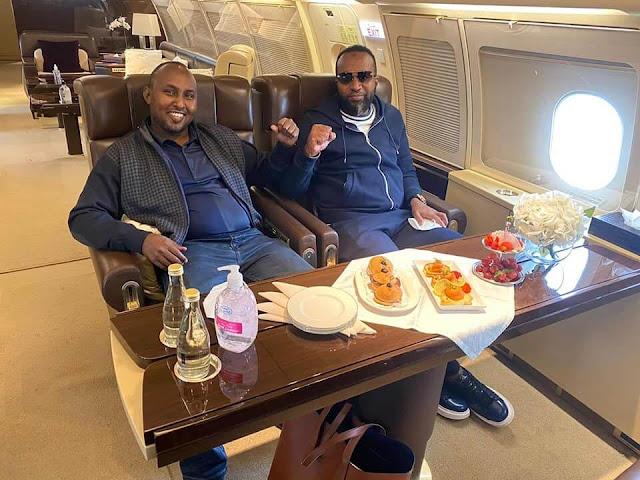 Joho and Junet to Dubai to see BABA photos