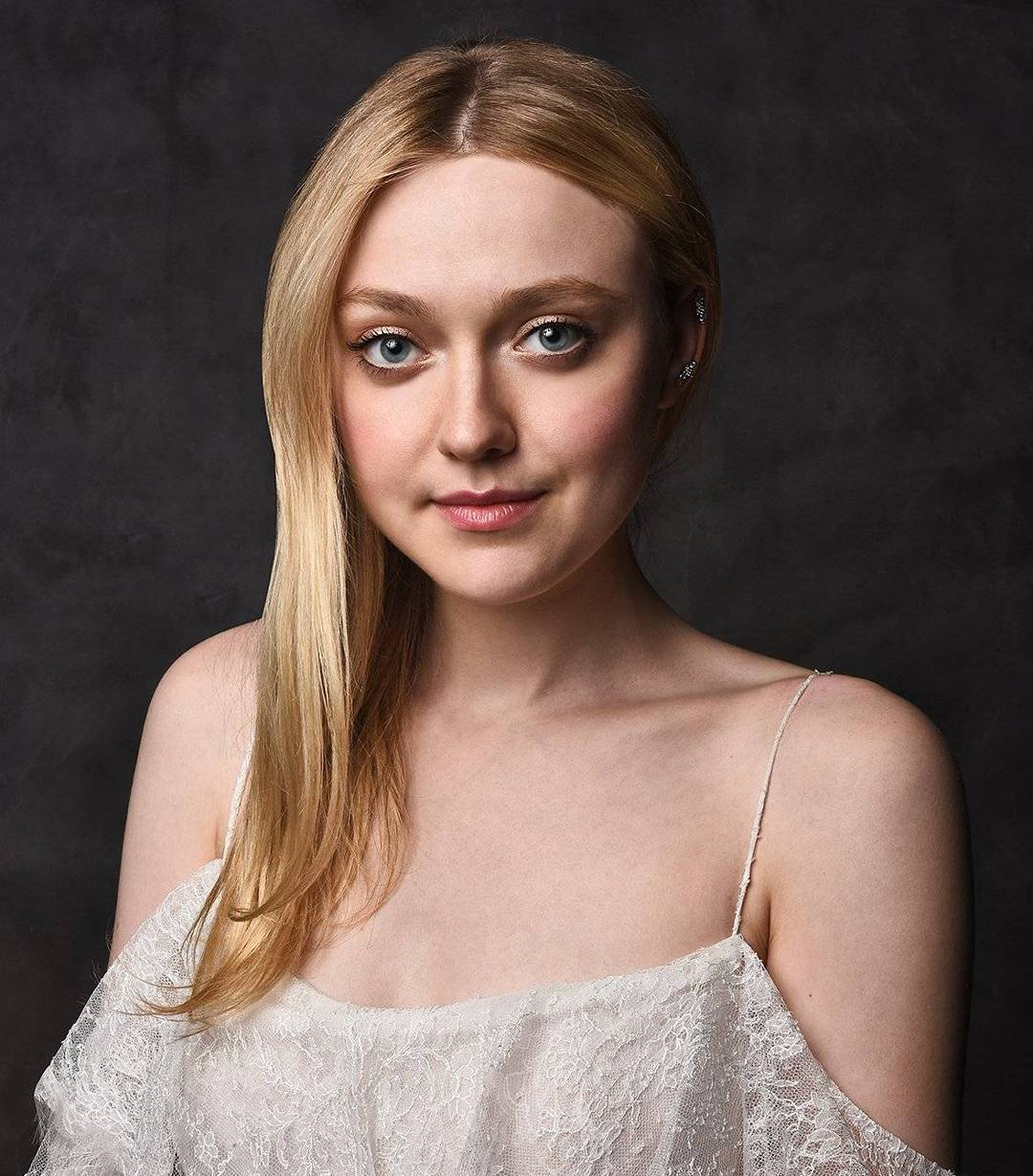 Dakota Fanning Beautiful Pictures - HD Actress Photo