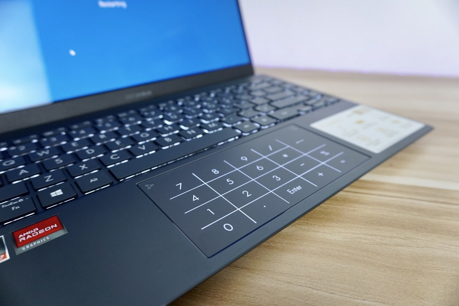 Zenbook 13 OLED UM325 Review: Keyboard and TouchPad