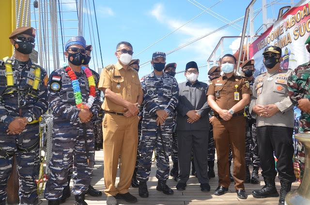 Bupati Natuna Menyambut KRI Bima Suci-945 dan Taruna AAL Tingkat III Angkatan 68 Tahun 2021