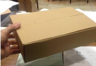 caja expositora cerrada.