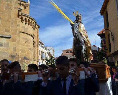 http://www.laopiniondezamora.es/semana-santa/2018/03/26/borriquilla-cosa-ninos/1073113.html