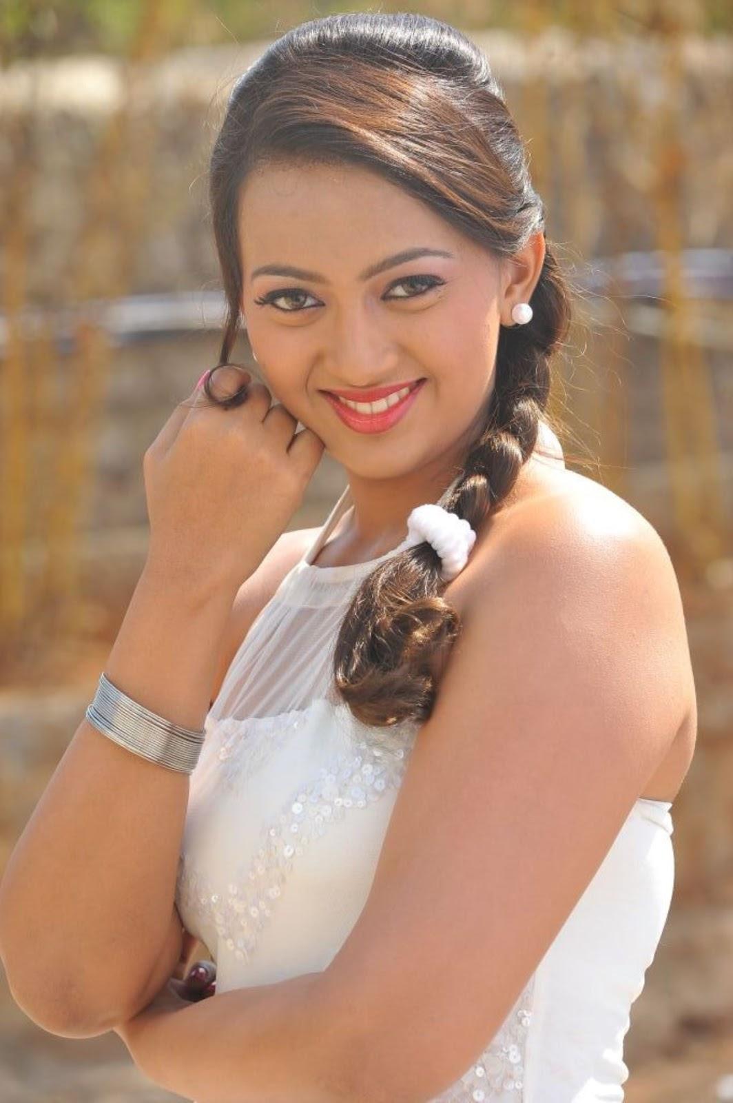 Telugu Actress Ester Noronha High Quality Stills | NETTV4U