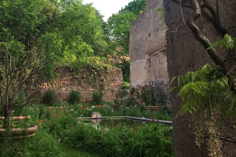 Piscina y jardín Torrecchia Vecchia