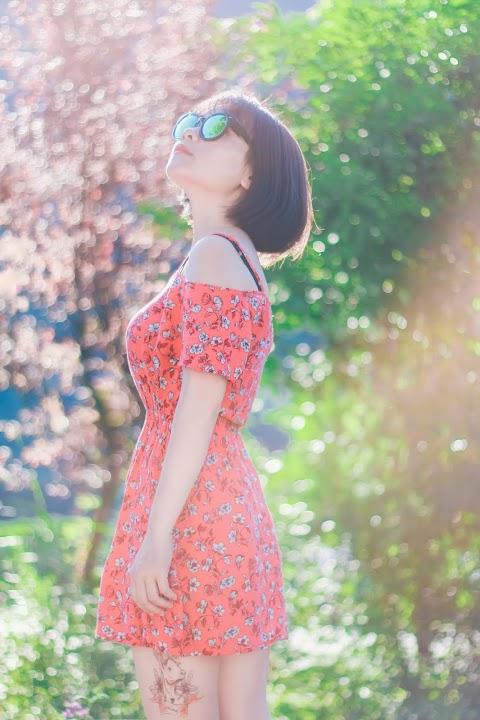 Hot girl xăm trổ khoe dáng với thiên nhiên