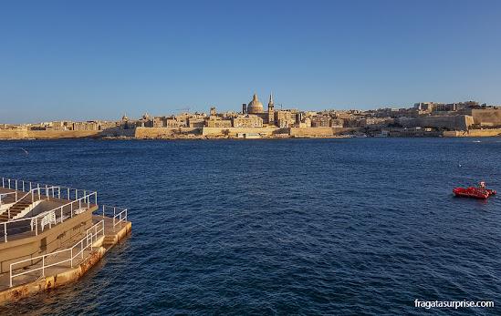 Centro Histórico de Valeta, Malta, visto da Orla de Sliema