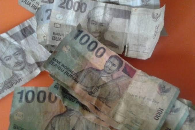 Uang Lusuh Senilai Rp 100 Juta Disisir Di Pasar Beringharjo Tiap Hari