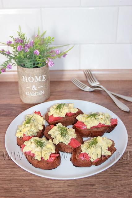 рецепт бутербродов с семгой и яичным салатом с пошаговыми фото