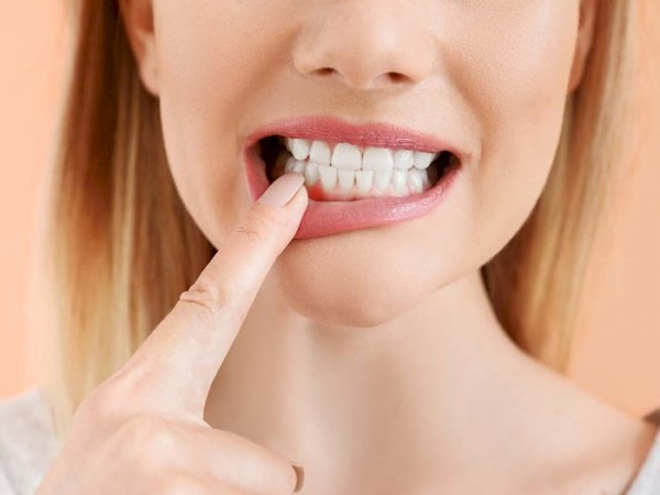 Causes of festering gums and the right way to overcome them