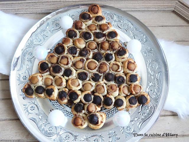 Sapin feuilleté aux mini boudins bicolores et leur chutney de pommes