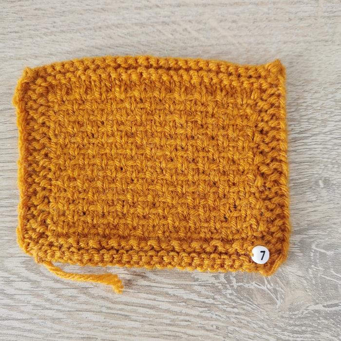 point de demi-toile au tricot, vue de face, par Chat Tricote Par Ici, Hello c'est Marine