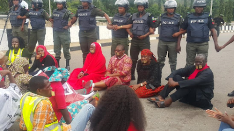 BringBackOurGirls group stopped from entering Aso Rock by Nigerian Police