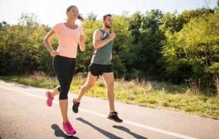 3 Nutrisi yang Wajib dikonsumsi bagi Atlet Lari