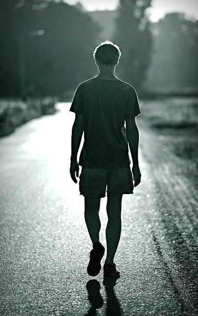 Arti Mimpi Berjalan Jauh Dan Maknanya Dalam Hidup