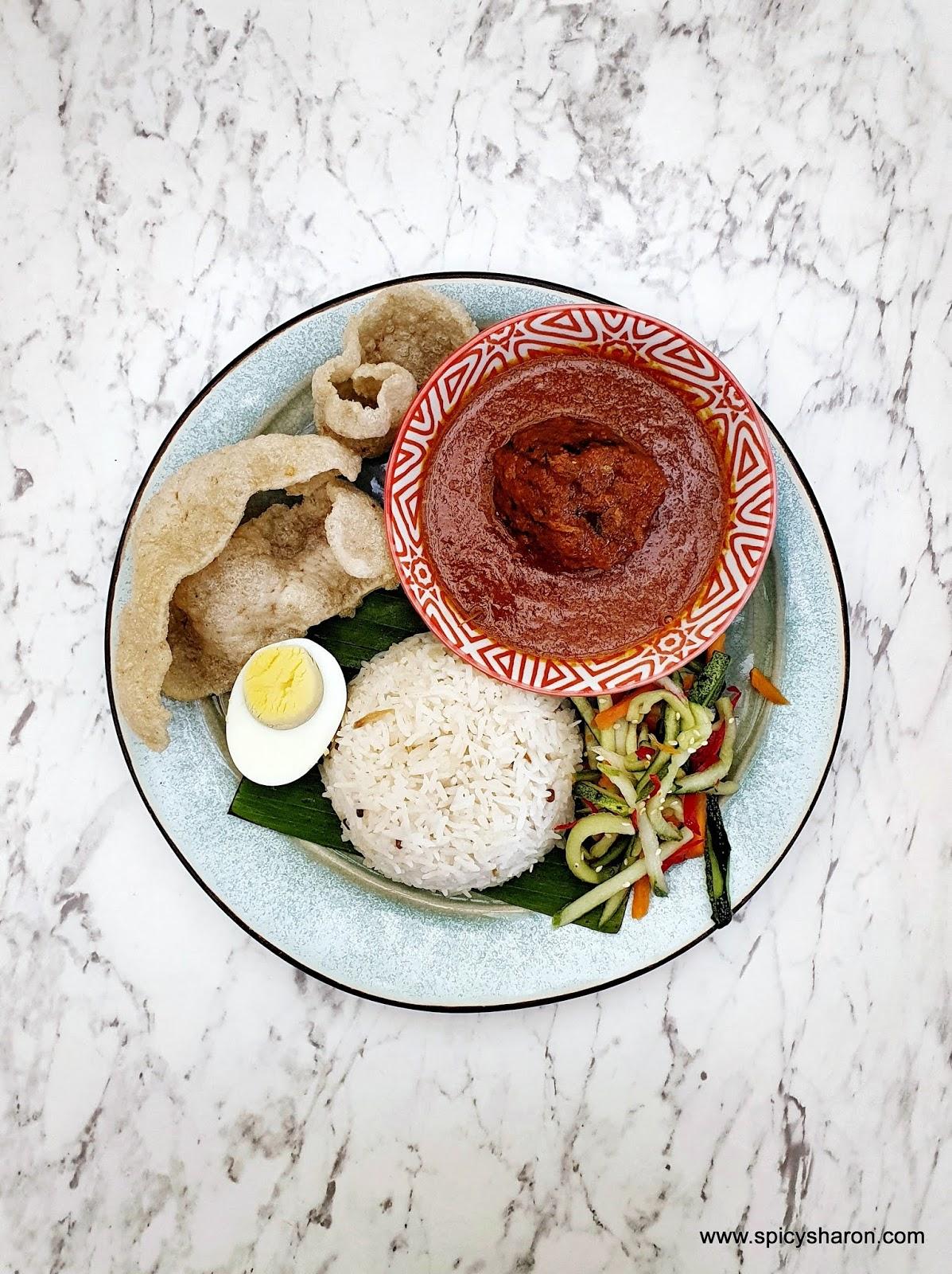 nasi lemak in damansara uptown