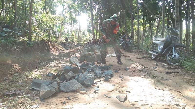 Pra TMMD ke-108 Kodim 0622 /Kabupaten Sukabumi ,Warga Dan TNI Tunjukan Kemanunggalan Yang Sejati