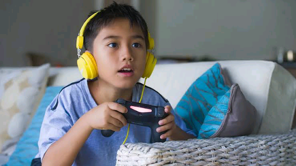 Website offering duo $2,000 to play video games for 21 hours interesting news 
