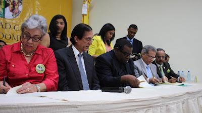 VÍDEO: Gobierno y Colegio Médico firman histórico acuerdo por sistema de salud mejor para todos