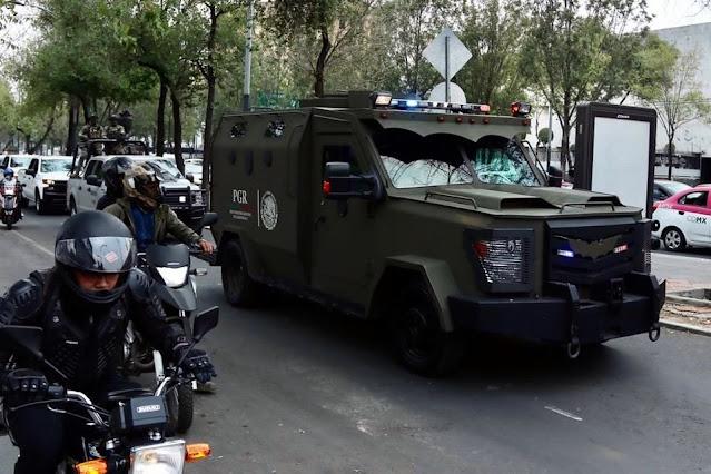 """Video: Este es el """"Baticamion"""" blindado de la FGR en el que trasladaron a El Güero Palma en una casa de arraigo"""
