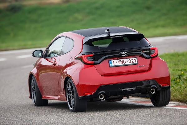Toyota Yaris é eleito carro do ano de 2021 na Europa