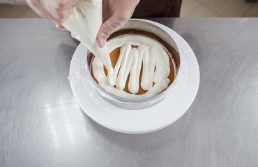 تعرفى على كريمة الباسترى حشوة لجميع انواع الحلويات سهلة وبسيطة ومش بتاخد وقت ولا جهد وطعم ولا اروووع .