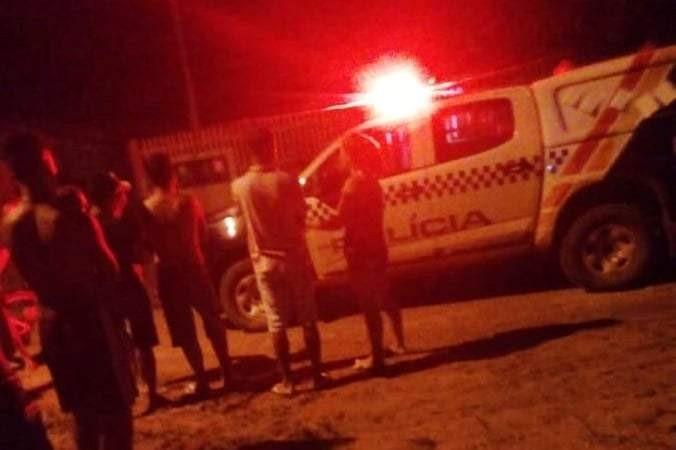 EXECUÇÃO: Adolescente é crivado de balas por mulher