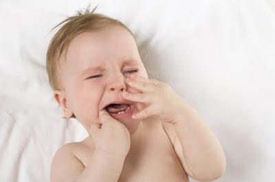 Kerewelan Bayi yang Sedang Tumbuh Gigi