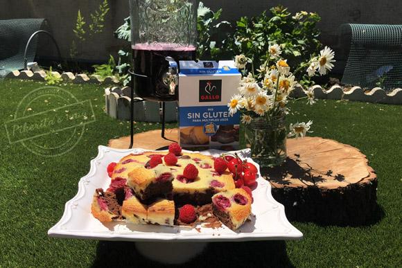 Brownie con cheesecake de frambuesa
