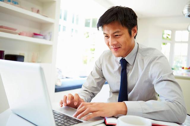 Kerja Online Pemuda: Jadi Jutawan Modal Internetan