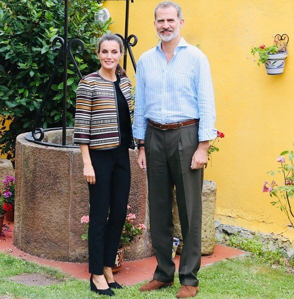 Queen Letizia wore a multicolor tweed jacket by Uterque, and Uterque high heel fabric shoes. gold earrings Boss sweater