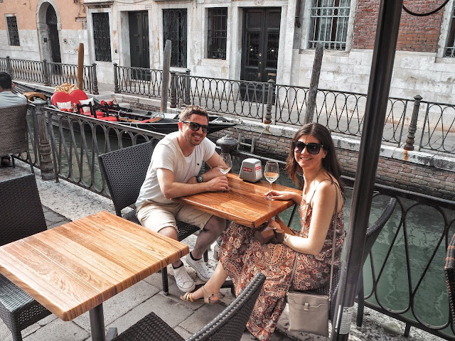 24 hours in Venice- prosecco by the canal