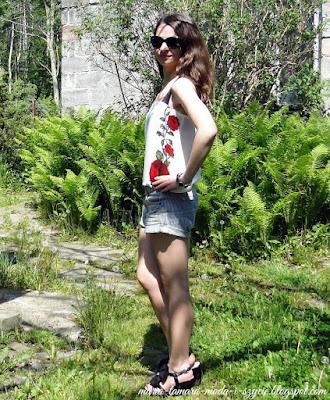 http://maria-tamara-moda-i-szycie.blogspot.com/2014/05/kwiecisty-top-w-praktyce.html