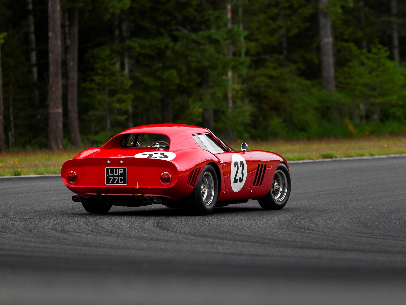 A 1962 Ferrari GTO  Sells for  GTO 48.4 Million Dollars   bluiskewl 241860