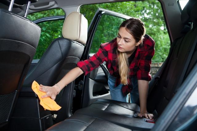 Pentingnya Merawat Interior Mobil Beserta Tipsnya