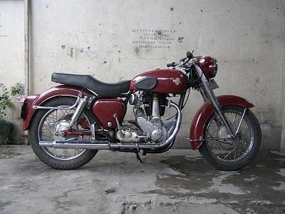 BSA plastik 350cc tahun 1954.JPG