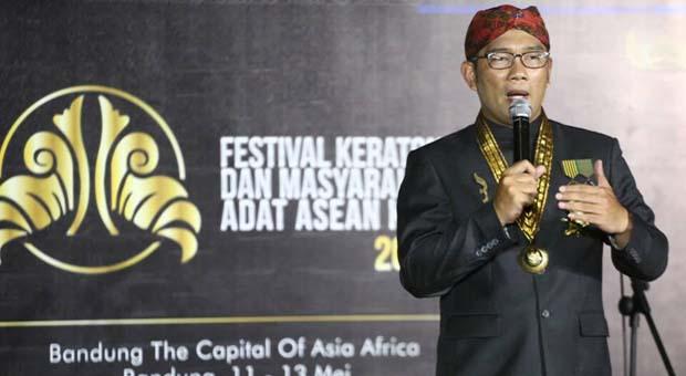 Emil Raih Penghargaan Sebagai Tokoh Budaya Nusantara